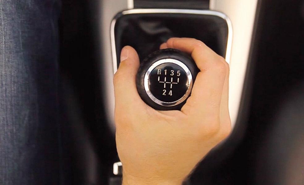 Как применять торможение двигателем без последствий для автомобиля?