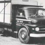 В марте 1959 года Mercedes-Benz представил первый грузовик с коротким капотом
